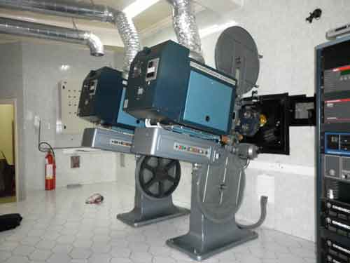 Cin ma international for Le cabine progetta le planimetrie